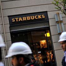Starbucks permitirá a cualquier persona sentarse en sus locales y utilizar sus baños