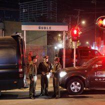 Indignación por violación grupal de barristas a joven en cercanías del Metro: habrá manifestación con organizaciones en Estadio Nacional