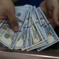 Dólar pierde terreno y anota fuerte caída en línea con repunte en el precio del cobre
