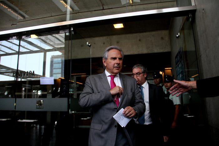 Moreira defiende reunión Abbott-Larraín: