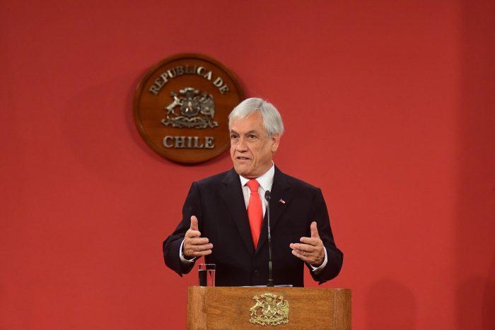 Piñera emplaza a taxistas a