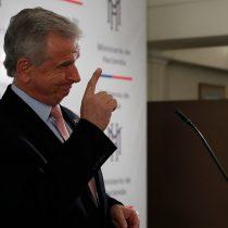 Ministro Larraín sigue suave con la reforma tributaria: