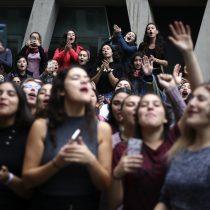 Ex alumnas de Derecho UC apoyan protesta feminista: