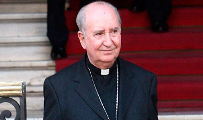 Papa no toca a Errázuriz: continúa en el Consejo de Cardenales y viajará a Roma en septiembre