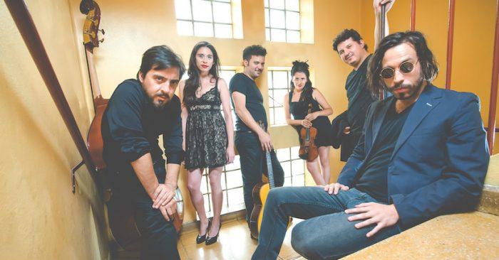 """Banda chilena Golosa La Orquesta graba single """"Chipi Chipi"""" junto a Kevin Johansen"""