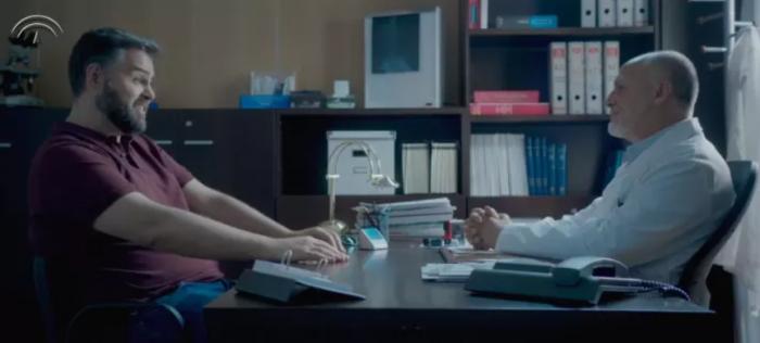 """[VIDEO] """"Siento comunicarle que padece usted machismo"""": el corto dirigido a los hombres que muestra cómo los afecta a ellos"""