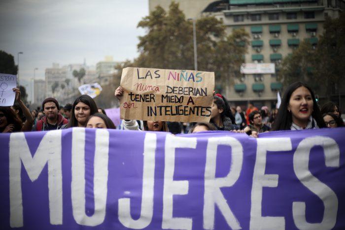 La ola feminista que remece a Chile: un movimiento social contra el acoso y la violencia de género