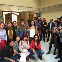 Mujeres feministas del PS cuestionan a diputados hombres que rechazaron acusación constitucional en contra del Ministro Santelices