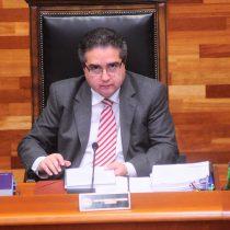 Siguen los problemas para Carlos Carmona: surge nueva denuncia por acoso cuando era presidente del TC