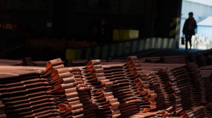 Precio del cobre cae 1,0 % por comercio e incertidumbre política en Europa