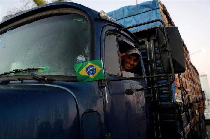 Crisis en Brasil pone nerviosas a empresas chilenas mientras Sao Paulo mantiene tensa calma