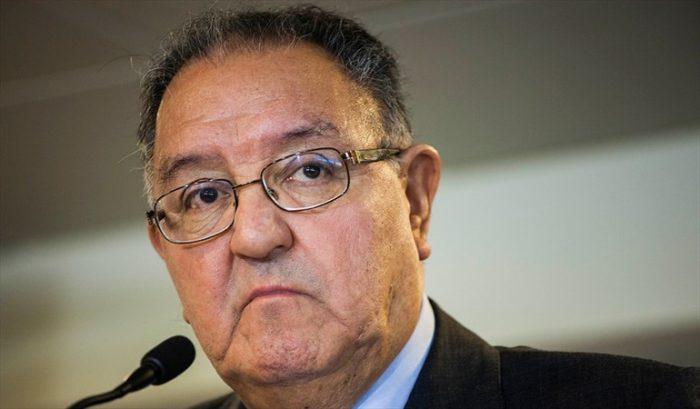 """Reforma tributaria tensiona a la DC: Huenchumilla advierte que el partido puede convertirse en """"el vagón de cola de la derecha"""""""