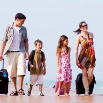 Estudio revela hábitos del viajero chileno: 5 de cada 10 viajan con su familia