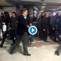 Falla eléctrica en el Metro permite a pasajeros ingresar gratis