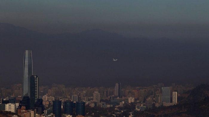 Intendencia decreta preemergencia ambiental para este domingo en Santiago