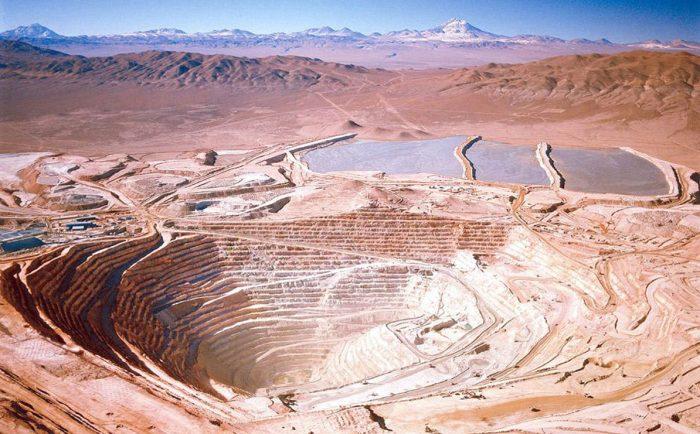 Grandes mineras aguan la fiesta a los alcistas del cobre