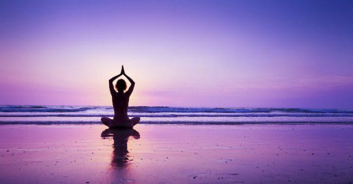 Conmemoración del Día Internacional del Yoga en Gimnasio Municipal de Concepción