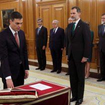 El nuevo presidente del Gobierno de España promete su cargo ante el rey