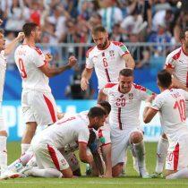 Serbia se impone a Costa Rica con un solitario e impecable tiro libre