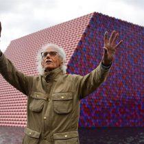 Artista Christo realiza una mastaba gigante en homenaje a su esposa fallecida