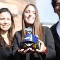 Robot lazarillo y dron que protege fauna nativa destacan en torneo científico de la UC
