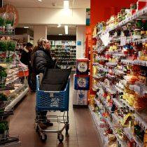 Ventas del comercio minorista se debilitaron durante abril en regiones de Valparaíso, Biobío y La Araucanía
