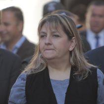 Conflicto gobierno-gendarmes salpica a directora: funcionarios aseguran que es una