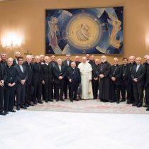 Nuevas salidas en la iglesia chilena: Papa Francisco acepta la renuncia de Goic y Valenzuela