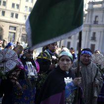 Carabinero herido en la cabeza durante manifestación mapuche en cercanías de La Moneda