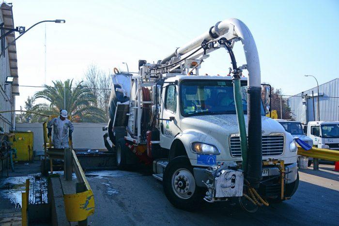 Aguas Andinas inicia conversión de sus camiones de petroleros a biogás