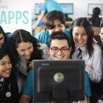 Escolares chilenos aprenden a programar en Clubes de Apps