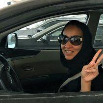 Día histórico: por primera vez, las mujeres de Arabia Saudita pueden manejar legalmente