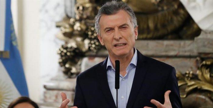 Argentina envía señales mixtas para reducir el déficit fiscal
