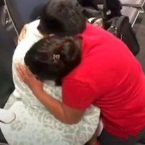 El emotivo momento en que Beata Mejía, la madre guatemalteca que demandó al gobierno de Trump, se reúne con su hijo de 7 años después de un mes