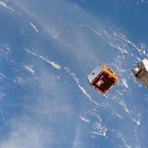 El momento en que el satélite RemoveDebris es lanzado en el espacio