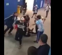 Hinchas argentinos dan brutal golpiza a futbolero croata tras el partido