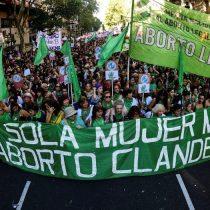 Paso histórico en Argentina: diputados aprueban despenalización del aborto