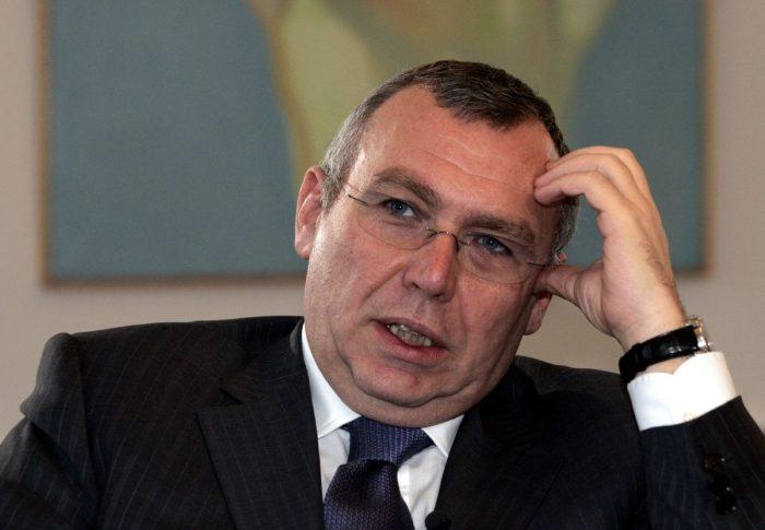 Gusenbauer, el ex canciller con fuertes nexos en Chile, ligado a investigación por intervención en elecciones de EE.UU.