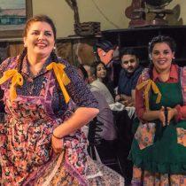 Folcloristas festejan Día Nacional del Cuequero en Plaza de la Constitución