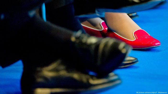 Brechas de género persisten en el sistema financiero chileno