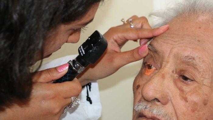 Cataratas son la causa más común de ceguera en adultos mayores