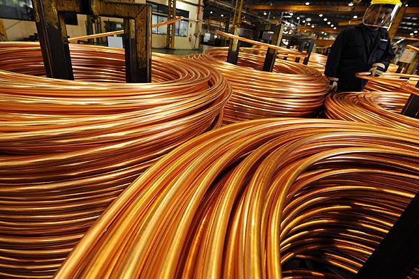 Cobre recupera terreno y escala sobre los US$ 2,70 la libra en la Bolsa de Metales de Londres