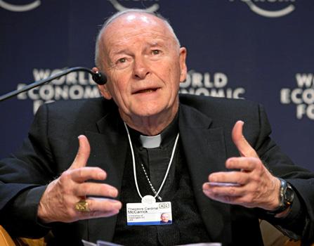 Suspenden a arzobispo emérito de Washington involucrado en abusos sexuales hace 50 años