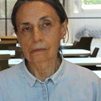 Poeta chilena Elvira Hernández obtiene el Premio Iberoamericano de Poesía Pablo Neruda