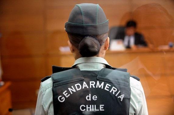 El nuevo fragata Lynch: descubren cámaras en baño de mujeres gendarmes en centro penitenciario de Antofagasta