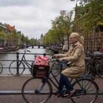 Holanda pretende pagarle a los empleados que vayan en bicicleta al trabajo