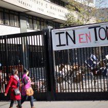Apoderados del Instituto Nacional se querellan por violento desalojo de los estudiantes
