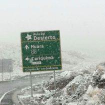 Onemi reporta caída de nieve en Cancosa y Colchane al interior de Iquique