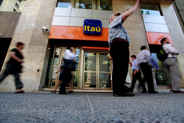 Corte Suprema ordena al banco Itaú restituir fondos sustraídos por fraude informático a cliente