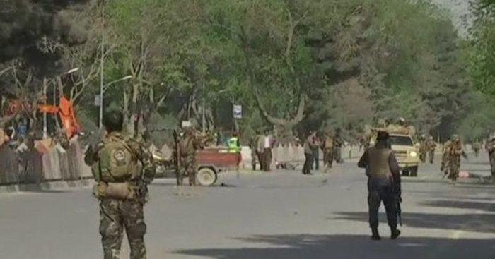 Al menos 12 muertos y 31 heridos en ataque suicida contra ministerio en Kabul
